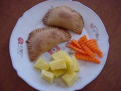 Homemade pizza pockets.  This is a great lunch idea for kids!