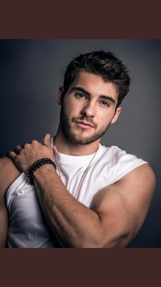 Cody Christian photographed by Arthur Galvao for Bello Magazine Cody wears Top x Karla, bracelet + necklace IceLink Pretty Little Liars, Pretty Boys, Theo Raeken, Cover Boy, Austin Mahone, Hommes Sexy, Attractive Men, Good Looking Men, Hot Boys