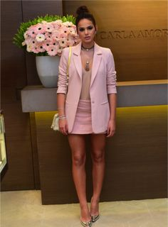 blush blazer & miniskirt, mocha bodysuit, deeply tanned skin, dark hair done up, gold pointilettos Blazer Outfits, Chic Outfits, Spring Outfits, Fashion Outfits, Mode Outfits, Summer Outfit, Love Fashion, Girl Fashion, Fashion Looks
