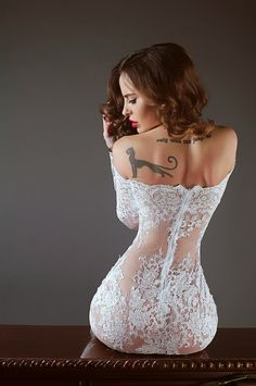 ♥i dont know if this is a dress with a beige liner or lingerie but it is gorgeous