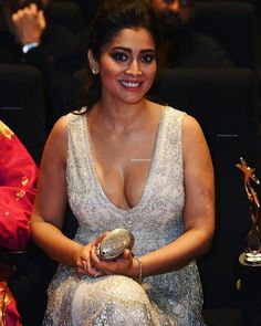 👉👉👉Swipe Side for more Pics👉👉👉 Lovely Queen 🔥💚🔥 Indian Actress Hot Pics, Indian Bollywood Actress, Beautiful Bollywood Actress, Most Beautiful Indian Actress, South Indian Actress, Beautiful Actresses, Tamil Actress, Hot Actresses, Indian Actresses