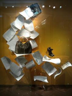 Louis Vuitton papers windows Spring 2013, Jakarta visual merchandising