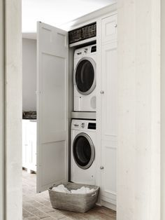 "Visit our internet site for additional info on ""laundry room storage diy budget"". It is actually a superb place to get more information. Boot Room Utility, Small Utility Room, Utility Room Storage, Utility Room Designs, Small Laundry Rooms, Laundry Room Organization, Laundry Room Design, Laundry In Bathroom, Utility Room Ideas"
