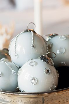 *THE ESSENCE OF THE GOOD LIFE™*: Home Style_Christmas  Love these.