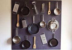 Homens da Casa - Painel Eucatex  http://homensdacasa.net/painel-de-eucatex-perfurado-para-cozinha/
