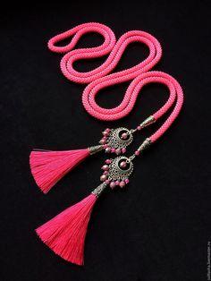 """Купить """"Фуксия"""" лариат - красота, шикарный, фуксия, кисти, модный, украшение, изысканный, тайланд, Индонезия"""