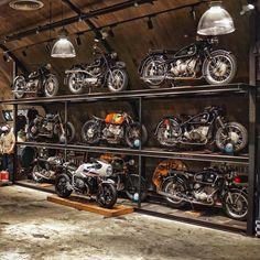 Pin On Motorcycles Wheelie Garage on Amazing Garage Ideas 8228 Motorcycle Shop, Motorcycle Garage, Motorcycle Workshop, Motorcycle Style, Custom Bikes, Custom Cars, Custom Cycles, Classic Bikes, Classic Cars