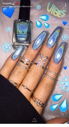 On average, the finger nails grow from 3 to millimeters per month. If it is difficult to change their growth rate, however, it is possible to cheat on their appearance and length through false nails. Aycrlic Nails, Cute Nails, Pretty Nails, Hair And Nails, Manicure, Toenails, Gorgeous Nails, Ocean Blue Nails, Blue Acrylic Nails