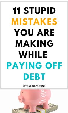 Do you wonder how to pay off debt Fast? Avoid these stupid debt pay off mistakes to pay off your debts faster. Debt pay off kistakes you need to avoid. Whether you are paying off student loans, credit card debt or personal debt, avoid these mistakes to save more and get rid of debt FAST. #debt #debtpayoff #payoffdebt #getridofdebt Ways To Save Money, Money Tips, Money Saving Tips, Debt Repayment, Debt Payoff, Making A Budget, Student Loan Debt, Get Out Of Debt, Financial Tips