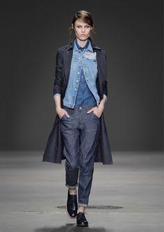Tom boy look total denim G-Star Raw Fashion Now, Pop Fashion, Denim Fashion, Girl Fashion, Fashion Outfits, Fashion Design, Fashion Ideas, Fashion Inspiration, Double Denim