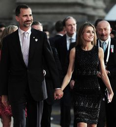 Prince Felipe and Princess Letizia Princess Of Spain, Princess Sofia, Estilo Real, Spanish Royal Family, Save The Queen, Queen Letizia, Crown Royal, Royal Fashion, Duchess Of Cambridge