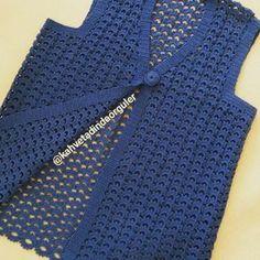 Best 9 Crochet Poncho Top Pattern, Poncho Top Pattern, Crochet Poncho with sleeves, Crochet Poncho Pattern – SkillOfKing. Crochet Poncho With Sleeves, Crochet Poncho Patterns, Crochet Coat, Crochet Cardigan, Crochet Clothes, Vest Pattern, Top Pattern, Poncho Tops, Vintage Crochet