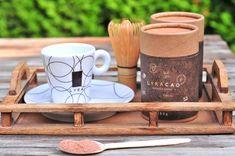 Horúca čokoláda povzbudí náladu - Páni v najlepších rokoch Panama, Ale, Mugs, Tableware, Beer, Dinnerware, Panama Hat, Ale Beer, Mug