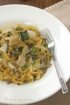 paste cu anghinare-2 Spaghetti, Ethnic Recipes, Food, Meal, Eten, Meals, Noodle