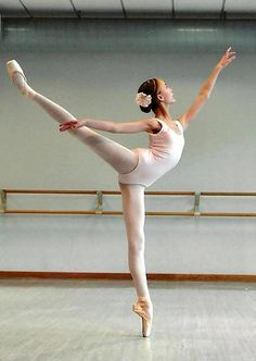 Arabesque ♥ Wonderful! www.thewonderfulworldofdance.com #ballet #dance