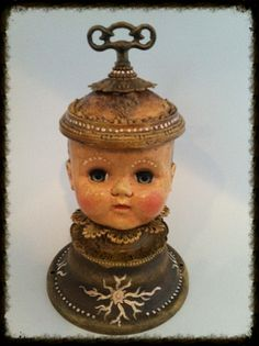 Altered Dolls Found Object Art, Found Art, Recycling, Creepy Dolls, Old Dolls, Doll Parts, Assemblage Art, Doll Head, Recycled Art