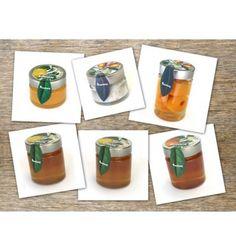 PACK ESSENCIA RUCHEY Nuestro pack essencia Ruchey está compuesto por 6 productos gourmet Crema de limón 155 gr Sal de nispero de 200gr  Níspero almibar cristal 370 gr  Miel limón 350 gr Miel de naranjo 350 gr