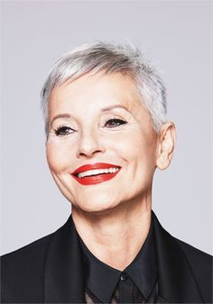 The Silver Glory Trend (for Mature Clients!): 4 White Looks That Emphasize Silver Accents