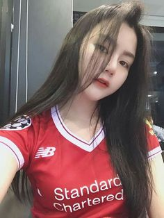 Liverpool Girls, Liverpool Fans, Liverpool Football Club, Football Girls, Football Fans, Fit Women, Sexy Women, Beautiful Hijab, Sport Girl