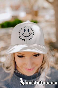 #LOVETHELAB #HOUNDSTOOTHPRESS #GREEKLIFEAPPAREL #sorority #fraternity #custom-designs #springtime Sorority Pr, Sorority Outfits, Sorority And Fraternity, Greek Life, Houndstooth, Shirt Designs, Baseball Hats, Abs, Photoshoot