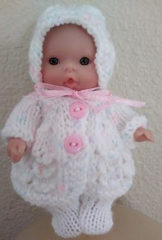 Berenguer Baby Doll Knit Matinee Coat Leggings and Bonnet fits Itty Bitty Chubby 5 inch Berenguer Baby Dolls Knitted Romper, Knitted Dolls, Crochet Dolls, Hand Crochet, Hand Knitting, Knitting Patterns, Crochet Patterns, Knitting Dolls Clothes, Baby Doll Clothes