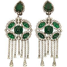 Pre-owned 1960s Kenneth Jay Lane Fabulous Emerald Green Chandelier... ($850) ❤ liked on Polyvore featuring jewelry, earrings, 1960s, chandelier earrings, emerald green dangle earrings, pendant jewelry, emerald green earrings, rhinestone chandelier earrings and kenneth jay lane earrings