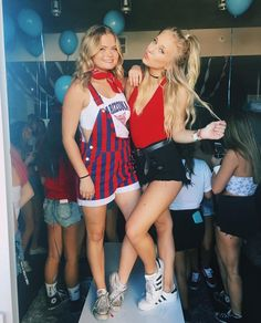 If you really want to bear down on game day at U of A, check out these cute gameday outfits at University of Arizona for some tailgating outfit inspiration! Fall College Outfits, College Fashion, Preppy Outfits, Summer Outfits, Cute Outfits, Party Outfits, Fall Outfits, College Games, College Game Days