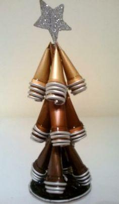 arbol de decorativo de navidad  capsulas nespresso creacion propia