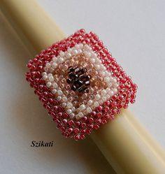 Declaración rosa semilla grano anillo Cocktail arte