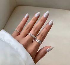 silver nails Pastel Nail Polish, Nail Polish Brands, Pastel Nails, Nail Polish Colors, Spring Nail Trends, Spring Nail Art, Winter Trends, Red Nail Designs, Nail Designs Spring