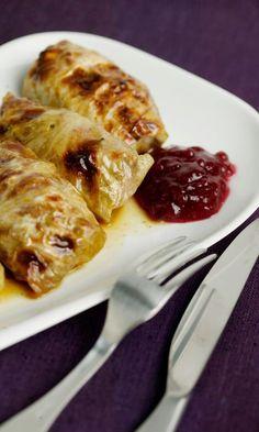 Kaalikääryleet | Maku Chicken Wings, French Toast, Recipies, Good Food, Easy Meals, Food And Drink, Meat, Cooking, Breakfast