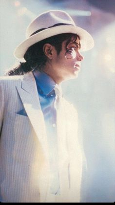 Michael Jackson Poster, Michael Jackson Drawings, Michael Jackson Wallpaper, Michael Jackson Bad Era, Elvis Presley, Elvis And Priscilla, Michael Jackson Smooth Criminal, Lisa Marie Presley, Paris Jackson