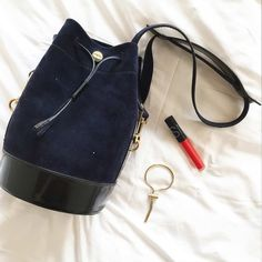 Sac #Kenzo - #Bracelet #MaDemoisellePierre - Gloss #Nars - #CitizenMHotelParis #Bonne Adresse #CitizenM #Paris #NewYork #Londres #Amsterdam #UneDemoiselleAParis Citizen M Hotel, Kenzo, Nars, Bucket Bag, Kate Spade, Jewels, Bracelet, Bag Accessories, Lipstick