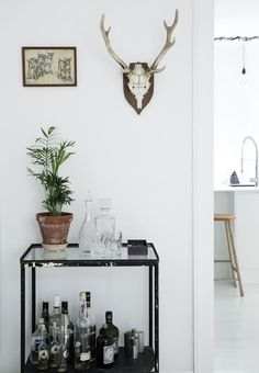 """Visit our internet site for more relevant information on """"bar cart decor inspiration"""". It is an excellent location to learn more. Gold Bar Cart, Table Bar, Glass Table, Bar Cart Decor, Interior Decorating, Interior Design, Bar Furniture, Entry Furniture, Cool Bars"""