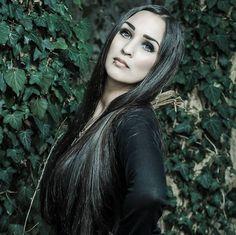 Dark Ivy