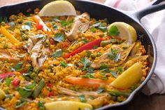 This traditionally seafood packed dish reimagined and filled with amazing vegetables along with flaky banana blossoms. Curry Recipes, Fish Recipes, Seafood Recipes, Vegan Recipes, Vegan Dinners, Vegan Crab, Vegan Fish, Traditional Fish And Chips, Vegane Rezepte