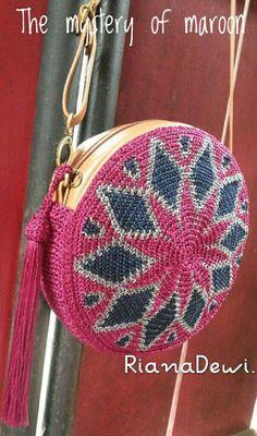 Crochet Bag Czekają na Ciebie nowe Piny: 18 - Poczta Crochet Handbags, Crochet Purses, Crochet Bags, Love Crochet, Knit Crochet, Tapestry Crochet Patterns, Crochet Shell Stitch, Crochet Circles, Purse Patterns