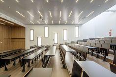 Gallery of Teaching Block Arenals / Lola Romera + Marta Clavera + Francisco Mansilla - 4