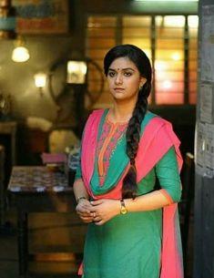 Keerthy Beautiful Smile, Beautiful Images, Kirthi Suresh, Simple Sarees, Bollywood Photos, Kurti, Desi, Actresses, Clothes For Women