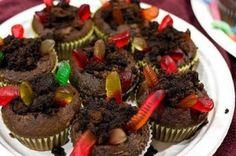 fun bug party's dirt cupcakes.  #bug_theme #cupcake #birthday