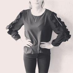 Dancing ruffles 〰〰 #whenfashionisart#welovefashion#fashioninspiration#garmentproduction#madebyorientalrisskov#mborisskov#danishdesign#ruffles