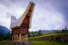 Capture in motion Traditional House, Golden Gate Bridge, Building Design, Architecture Art, Travel Inspiration, Home And Family, Bali, Country, Photo Graphy