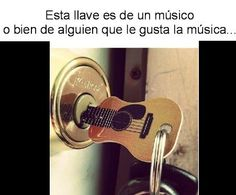 """Y en la cerradura """"Acordes de guitarra """" :)"""