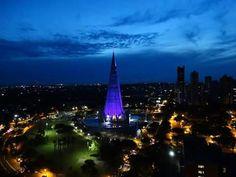 E assim chega a noite em Maringá.