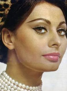 Image detail for -are so pretty sophia loren had such hypnotizing eyes and make up! Repinned by Aline
