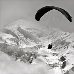 photo boillon christophe / photo au carré n montagne & parapente  / le plaisir d'un vol en parapente & le mont-blanc