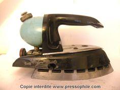 fer à repasser Coleman 615 au kérosène- Canada - 1950