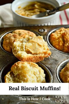 No rolling pin required for these amazing Southern biscuits! #biscuits #southernrecipes #muffins