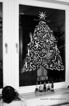 {diy} Opulent Christmas window decoration with chalk markers - diy christmas window decoration with chalk marker, everyone can paint, step-by-step tutorial found - Noel Christmas, Christmas Crafts, Christmas Windows, Natal Diy, Christmas Window Decorations, Christmas Chalkboard, Navidad Diy, Chalk Markers, Window Art