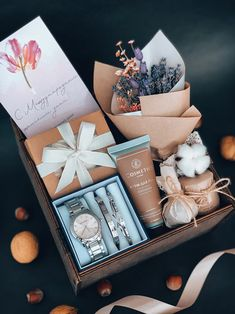 Diy Gift Box, Gift Boxes, Packing Ideas, Spoil Yourself, Client Gifts, Gift Hampers, Gift Packaging, Vintage Photography, Diy Art